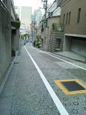 20130923 1高輪4丁目12付近の坂2.JPG