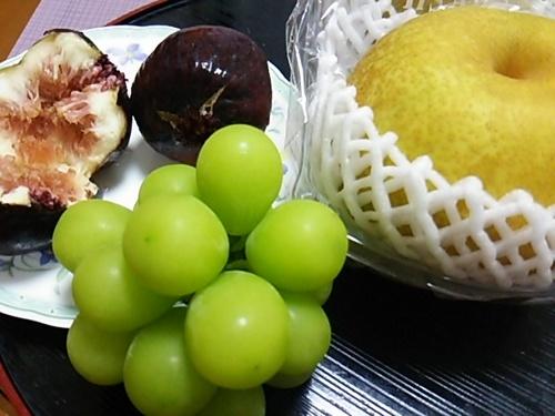 20160831 秋の果物.JPG