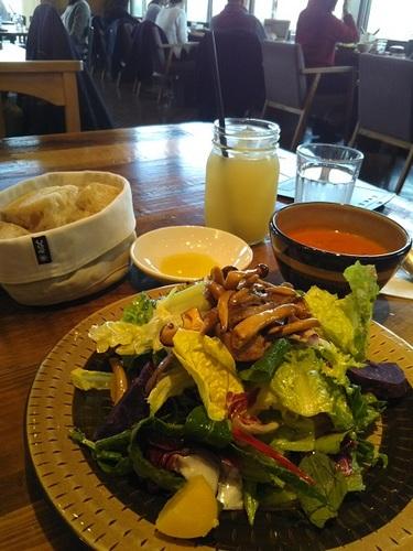 20190224 Q CAFE by Royal Garden Cafe.JPG
